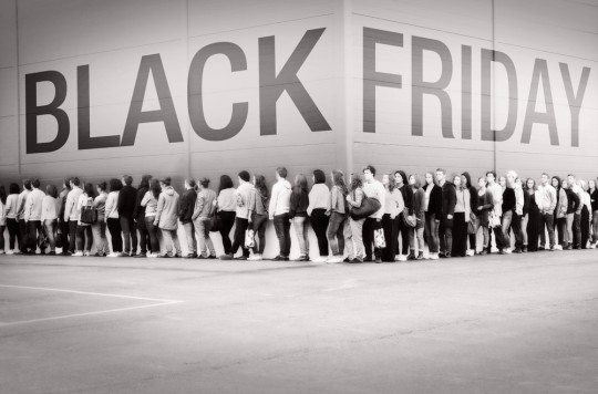 Black-Friday-Line[1]